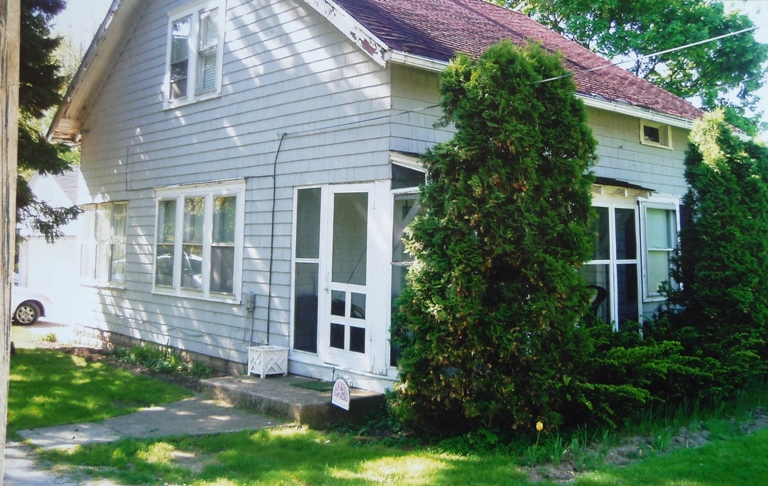 Mom's cottage porch: before and during